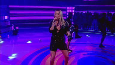 Claudia Leitte anima ao som de 'Lacradora' - Cantora ensina coreografia do hit