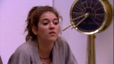 Ana Clara avisa a Gleici: 'Tem que ganhar o Anjo' - Brothers continuam no sofá da sala falando sobre os rumos do jogo após a vitória da Família Lima na Prova do Líder