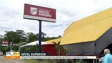 Inaugurada primeira Faculdade de Direito em Miguel Pereira - A cerimônia contou com a presença de autoridades, como o ministro do Supremo Tribunal Federal Luiz Fux.