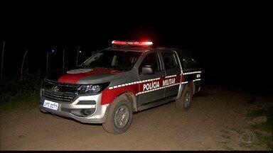 Corpo de irmão de Policial Militar é encontrado enterrado num terreno em Santa Rita - Outro crime chamou a atenção ontem à noite: jovem de 21 anos foi assassinado no dia do aniversário.