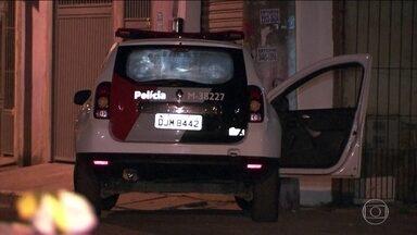 Policial Militar foi morto durante uma abordagem em SP - Soldado corria atrás de um suspeito que fugiu quando policiais pediram para carro parar. Suspeito fugiu levando a arma do PM.