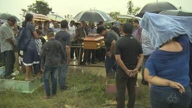 Corpo de co-piloto morto em queda de monomotor é enterrado - Corpos das outras vítimas devem retornar aos estados de origem.