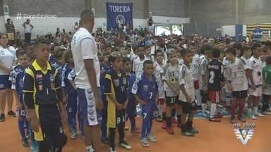 Santos realiza 6ª Copa Corpo em Ação de Futsal - Torneio é disputado na quadra do Gremetal.