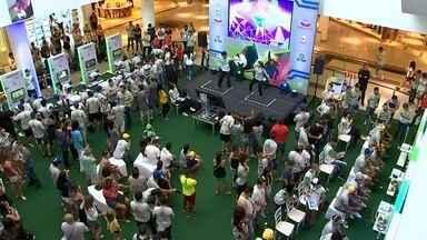 Confira como foi o primeiro dia de disputas do TEM GAMES em Sorocaba - Começaram neste sábado (24) as competições do TEM GAMES em Sorocaba (SP)./ Teve disputa no Just Dance e também no FIFA. Um dia inteiro de diversão para quem é apaixonado por vídeo game.