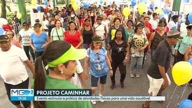Público lota a Praça da Liberdade para participar do projeto Caminhar - Esta é a 16ª edição do projeto