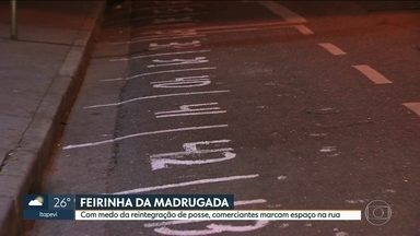 Consórcio que administra Feirinha da Madrugada quer construir centro de compras no local - Com medo de reintegração de posse, comerciantes marcam espaço nas ruas