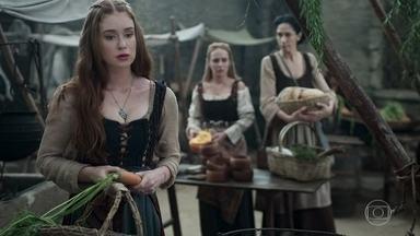 Amália fica sabendo que Afonso dormia na casa de Samara quando o incêndio começou - Ela finge não se importar, mas Diana explica que Afonso a ama