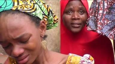 Boko Haram volta a sequestrar meninas na Nigéria - Terroristas levam 110 alunas de escola