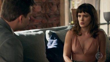 Patrick tem ideia para conseguir informações contra Gustavo - O advogado sugere conversar com Raquel