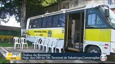 Tribunal alerta eleitores para calendário de cadastramento biométrico - Em Camaragibe, no Grande Recife, iniciativa facilita a vida de quem ainda não fez o procedimento