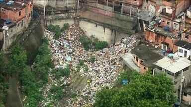 Jovens contam como é viver em favelas do Rio de Janeiro - Um em cada cinco moradores da cidade vive numa das 763 comunidades do Rio.