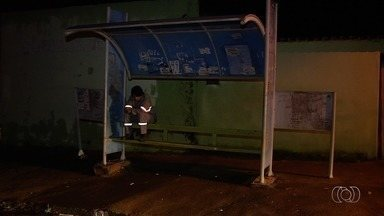 Passageiros que saem de Trindade para Goiânia relatam haver poucos ônibus e superlotação - Distância entre terminais é de 17 quilômetros.