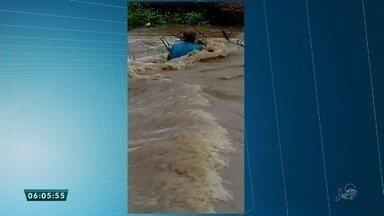 Homem é levado pela correnteza em riacho de Campos Sales - Saiba mais em g1.com.br/ce