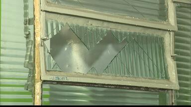 Escola é arrombada em Campina Grande após telefonemas com alertas - Entre o material levado pelos bandidos estão objetos usados com os alunos com necessidades especiais.