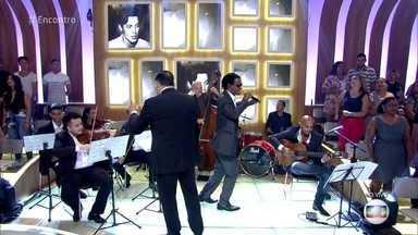 Toni Garrido canta 'Chega de Saudade' - Cantor explica como surgiu a ideia de homenagear a amizade de Tom Jobim e Vinícius de Moraes