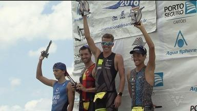 Beatriz Neres e Marcus Fernandes vencem o 27º Triatlo Internacional de Santos - Prova, que teve largada e chegada na praia do Boqueirão, foi realizada no último domingo. Atletas percorreram 1,5 km de natação, 40 km de ciclismo e 10 km de corrida.