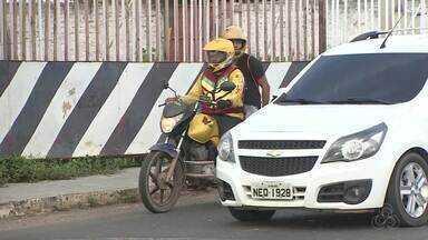 Companhia de Trânsito vai intensificar as fiscalizações contra mototaxistas clandestinos - Segundo a Ctmac, são mais de 2 mil mototaxistas cadastrados em Macapá. Por isso a categoria cobra rigor na fiscalização, por causa da concorrência.