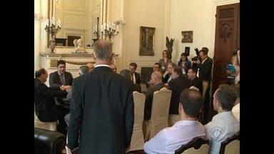 Corsan e prefeitura de Santa Maria fecham acordo para renovar contrato - A prefeitura diz que a empresa será multada se não cumprir os novos acordos.
