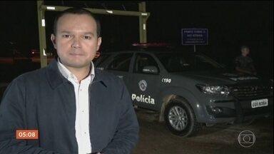 Polícia intercepta bandidos que iam roubar caixas eletrônicos em Campinas; sete morreram - Houve troca de tiros e sete suspeitos morreram. Outros dois conseguiram fugir.
