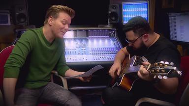 Michel Teló grava música de compositora no 'Essa Música é MInha' - Ele faz arranjo especial para apresentar a música