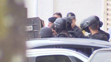 Testemunhas reconhecem PM que saiu atirando em Vicente Pires de outro caso - Segundo testemunhas, esse mesmo policial militar é suspeito de envolvimento no assassinato de um sargento dos bombeiros em Taguatinga Norte, em 2012.