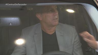 Renato Portaluppi ganha carro de patrocinadores da Copa Libertadores - Assista ao vídeo.
