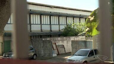Escola é arrombada e tem fios roubados em Feu Rosa, na Serra, ES - Prefeitura informou que local possui vigilância.
