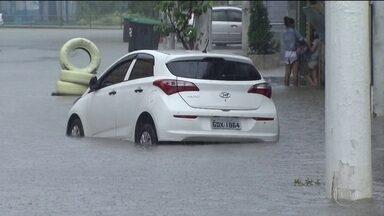 Chuva provoca morte e estragos no sudeste - A chuva forte atingiu a Região Serrana do Rio de Janeiro, a Região Metropolitana de Belo Horizonte e Santos, no litoral de São Paulo.