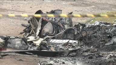 Helicóptero é sequestrado, cai e deixa três mortos em Joinville - Helicóptero é sequestrado, cai e deixa três mortos em Joinville