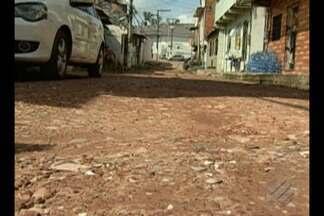 Comunidade de passagem no bairro do Marco pede pavimentação para conter alagamentos - Em novembro, a equipe do JL1 esteve no local.