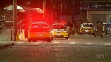 Sargento do Corpo de Bombeiros rouba biarticulado em terminal de ônibus de Curitiba - O bombeiro estava afastado por problemas psiquiátricos, e, de acordo com a corporação, não haverá corregedoria interna para apurar a situação.