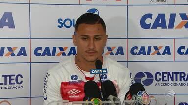 Meio atacante Vinícius comenta boa fase durante temporada no Bahia - Ele é considerado como artilheiro do time, por ter marcado cinco gols na competição.