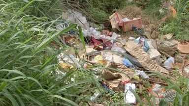 Cabral mostra bairro de Campo Grande onde terrenos mal cuidados viraram lixão - Bairro é um exemplo de onde houve acúmulo de lixo e descaso do poder público.