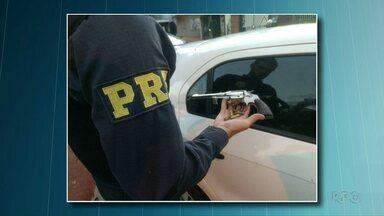Polícia prende suspeitos de roubar camionete de vereadora de Foz - Segundo a polícia, eles foram reconhecidos pelas vítimas.