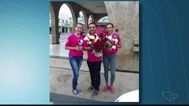 Rede Gazeta distribui rosas a mulheres do Noroeste do ES - Mulheres de Nova Venécia e Baixo Guandu também foram homenageadas.