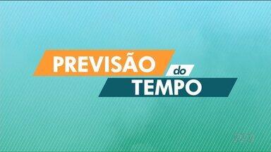 Pancadas rápidas de chuva devem cair durante a tarde no litoral e em Curitiba e região - No domingo, os termômetros podem chegar aos 29ºC na capital.
