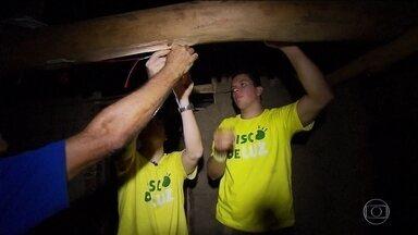 Voluntário cria sistema para levar luz à comunidade isolada em Goiás - Projeto ajuda a melhorar a vide de parte dos quase 3 milhões de brasileiros que vivem sem energia elétrica em casa