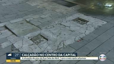 Calçadão da Rua Sete Abril, no centro de SP, precisa de novos reparos - Espaço foi reformado em setembro de 2016. Prefeitura diz que notifica responsáveis por problemas.