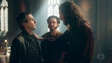 Rodolfo agradece Orlando por ter provocado o adultério de Lucrécia - Betânia avisa conseguiu um emprego para Ulisses na cozinha do castelo. Petrônio fica inconformado com os elogios do rei a Rodolfo