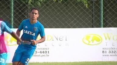 No Sport, Everton Felipe volta a treinar e pode jogar contra Central - Leão pega Patativa na próxima quarta-feira, no Lacerdão, por vaga na final do Estadual