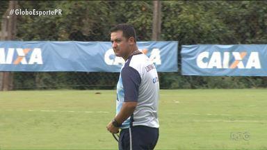 Com ânimo renovado, Londrina desafia Furacão na Arena - Tubarão quer surpreender Atlético para se aproximar da vaga na semifinal da Taça Caio Júnior