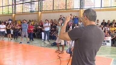 Professores protestam por aumento salarial em Manaus - Professores protestam por aumento salarial em Manaus