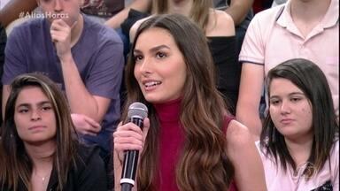 """Marina Moschen comemora o papel de Selena em """"Deus Salve o Rei"""" - Serginho Groisman elogia o trabalho da atriz"""