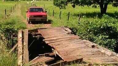 Moradores ficam isolados após ponte cair em Dueré - Moradores ficam isolados após ponte cair em Dueré