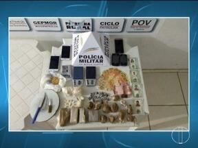 Cinco pessoas são presas por tráfico de drogas em Montes Claros - Polícia apreendeu maconha, dinheiro e munições.