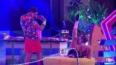 Jéssica dança para Kaysar na Festa Pop 80 - Sister dança