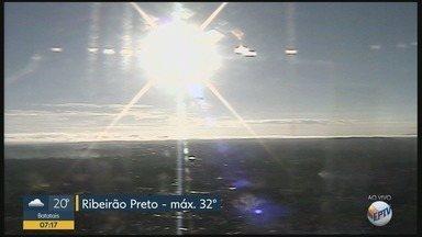 Confira a previsão do tempo para quinta-feira (22) em Ribeirão Preto - Há possibilidade de pancadas de chuva no final do dia.