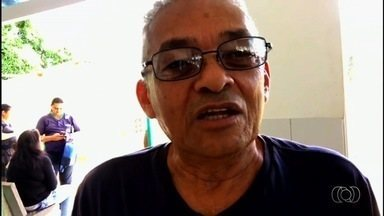 Telespectador encontra Mariana Martins e manda recado para equipe do Bom Dia Goiás - Gravação foi feita durante reportagem em Cais de Goiânia.