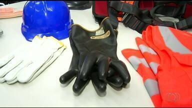 Falta de equipamentos de segurança é um dos principais motivos dos acidentes de trabalho - Falta de equipamentos de segurança é um dos principais motivos dos acidentes de trabalho