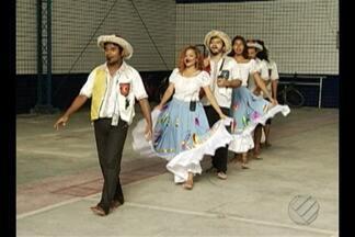 Dia internacional da síndrome de down teve comemoração na sede da Apae - Na festa teve música, teatro e dança com artistas do curro velho e participação de alunos atendidos pela Apae.